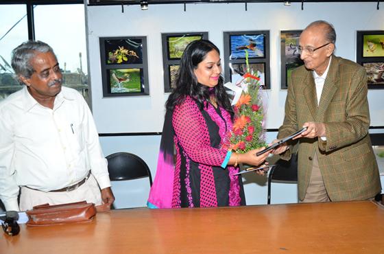 K.G. Maheshwariji welcomes Cheif Guest - Mrs. Manjistha Mukherjee Bhatt